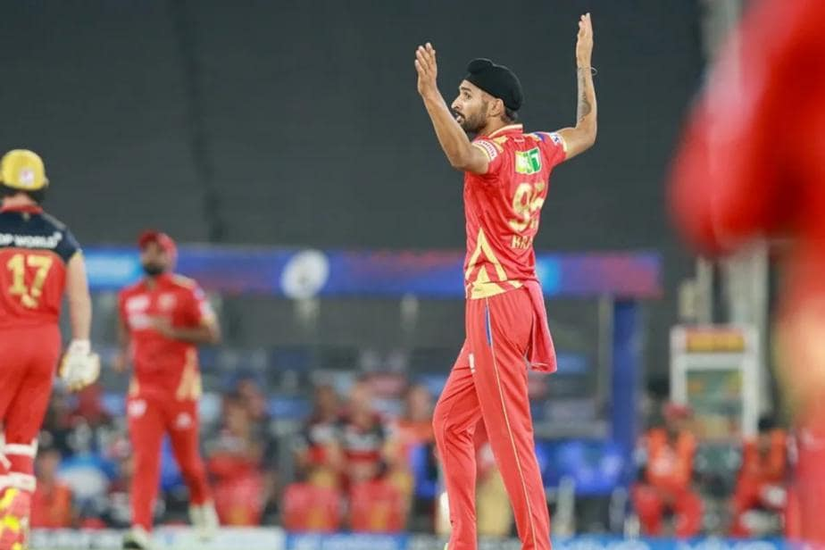 IPL 2021: Thought He Would Finish His Quota Before Maxwell & AB Came Out - Sehwag On Harpreet Brar
