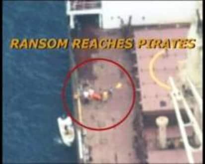 समुद्री चाच्यांच्या तावडीतून सुटलेले जहाज अडचणीत