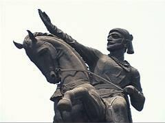 जर माणसाकडे आत्मशक्ती असेल तर तो पूर्ण विश्वासात विजयाचे पताके उभारू शकतो.