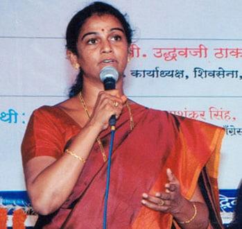 शुभा राऊळ यांचा सेनेला 'जय महाराष्ट्र', मनसेत दाखल