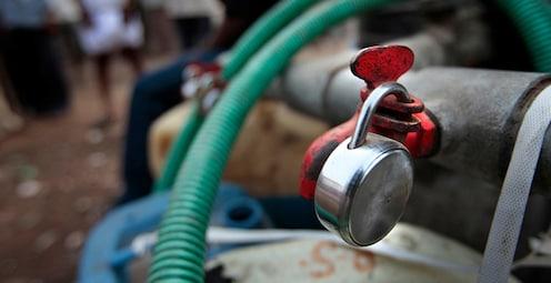 ठाणेकरांचं पाणी महागलं! पाण्याच्या करात 20 ते 30 टक्के दरवाढ