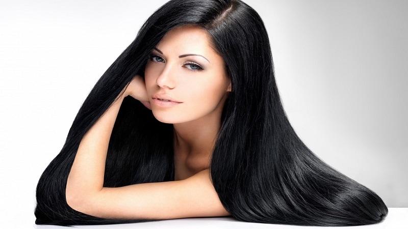 कोंड्यामुळे केस गळणे, केस निर्जीव होणे इत्यादी समस्या निर्माण होतात, त्याचावर उपाय म्हणून स्वयंपाकघरात उपलब्ध असणाऱ्या वस्तूंपासूनच आपण हेअर मास्क बनवू शकतो.