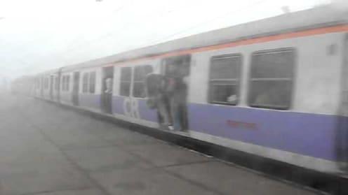 प्रवाशांच्या दबावामुळे मध्य रेल्वेने बदलेले वेळापत्रक घेतले मागे
