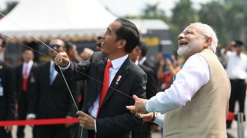 इंडोनेशियाच्या आकाशात 'रामायणा'चे पतंग!
