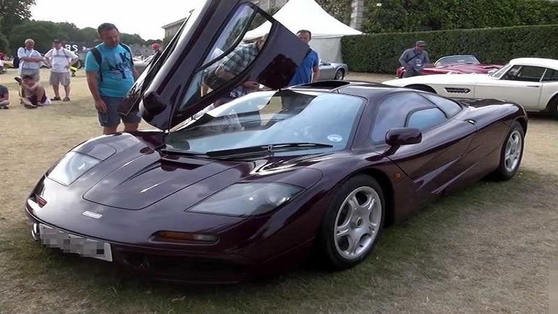 मिस्टर बिन यांच्याकडे सर्वात महागडी कार आहे. मॅक्लारेन एफ 1 ही महागडी कारची आज किंमत 80 ते 100 कोटींची आहे.