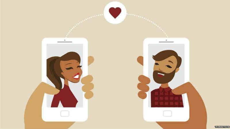 विचारपूर्वक लग्नाचा विचार करा – ऑनलाइन डेटिंगनंतर अनेकजण त्यांचे नातं पुढे नेऊन लग्न करण्याचा निर्णय घेतात. लग्नानंतर समोरच्या व्यक्तीने फसवल्याचे समोर येते. यामुळेच लग्नाचा निर्णय घेताना अजिबात घाई करु नये. सगळ्या गोष्टी पडताळून घ्याव्यात आणि खात्री वाटली तरच लग्नाचा विचार करावा.