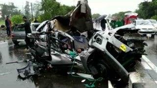 अपघातात सात जणांचा जागीच मृत्यू झालाय.