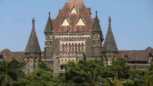 मराठा आणि सवर्ण आरक्षणाविरोधात मुंबई हायकोर्टात याचिका दाखल
