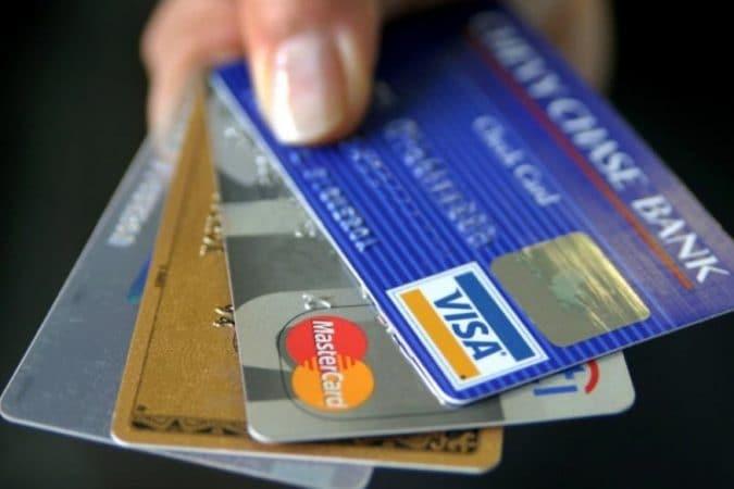 प्रत्येक ट्रानजॅक्शनवेळी ओटीपी विचारला जातो. यामुळे हे कार्ड अधिक सुरक्षित आहे. हे नवीन एटीएम कार्ड आधीच्या कार्डपेक्षा जास्त सुरक्षित आहेत.