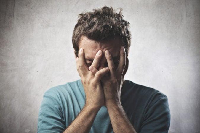 फक्त रडतानाच लाइसोजाइम तत्त्व डोळ्यातून बाहेर येते.