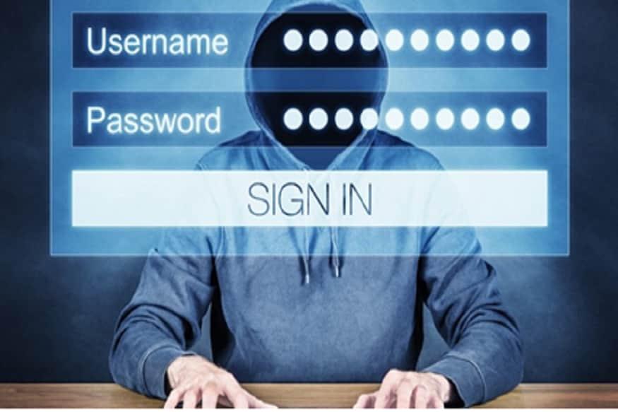 अनेकांना सवय असते, ते आपला युजरनेम पासवर्ड अगदी सहसपणे सांगतात. युजर नेम आणि पासवर्ड इतर लोकांसोबत शेअर करतात. तुम्ही तुमच्या जवळच्या एखाद्या व्यक्तीशी पासवर्ड शेअर करू शकता पण जास्त लोकांना तुमचा पासवर्ड सांगणं जरा टाळलेलं ब
