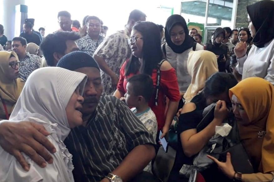 इंडोनेशिया या देशात वाहतुकीसाठी विमानसेवा मोठ्या प्रमाणावर वापरली जाते. कारण छोट्या छोट्या बेटांनी बनलेला देश आहे. भूकंप, त्सुनामी आणि असे विमान अपघात यामुळे इंडोनेशियाला गेल्या काही काळात अनेक अनेक दुर्घटनांचा सामना करावा लागला आहे.