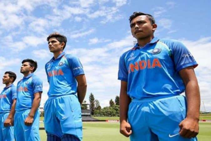 याआधी पृथ्वी शॉचे आंतरराष्ट्रीय कसोटी क्रिकेटमध्ये पदार्पण झाले आहे. शुभमन आणि पृथ्वी दोघंही अंडर- १९ संघात एकत्र खेळले आहेत.
