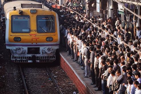 लोकल वाहतूक विस्कळीत, नवीन वर्षाच्या सुरुवातीलाच मुंबईकरांना मनस्ताप