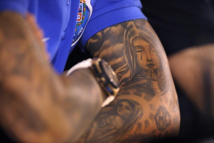 तुमच्या शरिरावरचा टॅटू आजन्म तुमच्या शरीरावर राहणार असल्यामुळे टॅटू आर्टिस्ट अनुभवी असणं फार आवश्यक आहे.