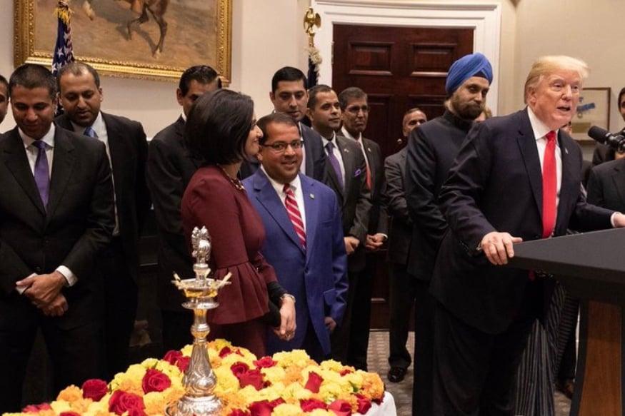 भारत हा आपला आवडता देश आहे. आणि पंतप्रधान नरेंद्र मोदी हे चांगले मित्र आहेत. भारताशी व्यापार वाढविण्यासाठी अमेरिका प्रयत्नशील आहे. त्यात काही अडचणी असल्या तरी आम्ही त्या दूर करू. दीवाळी हा प्रकाशाचा सण असून चांगल्या गोष्टी घडोत अशी सदिच्छाही त्यांनी यावेळी बोलताना व्यक्त केली.