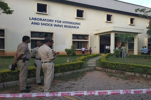 BREAKING : IIScमध्ये हायड्रोजनचा स्फोट, एका शास्त्रज्ञाचा मृत्यू
