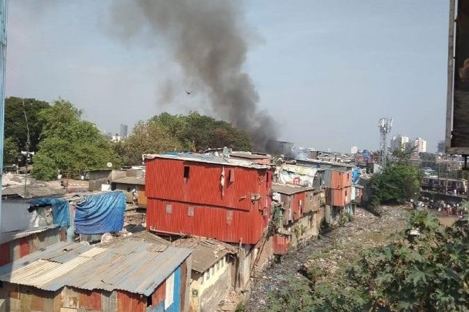 वांद्रे झोपडपट्टीत अग्नितांडव - मुंबईतील वांद्रे स्टेशन परिसरालगत मोठ्या प्रमाणात झोपडपट्टींचा परिसर आहे. गेल्या सहा महिन्यात अनेक वेळा छोट्या मोठ्या आगीच्या घटना घडल्या आहेत. सुदैवाने या आगीत कोणतीही जीवितहानी झाली नाही पण या आगीमुळे झोपडपट्टीत राहणाऱ्यांचा संसार उघड्यावर आला.