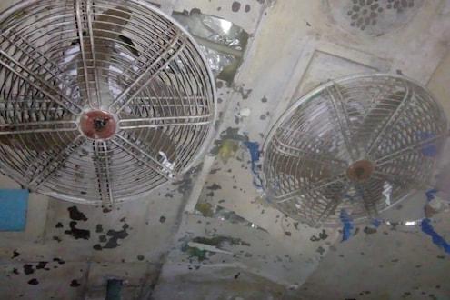 आसाममध्ये रेल्वेत स्फोट, 11 प्रवासी जखमी