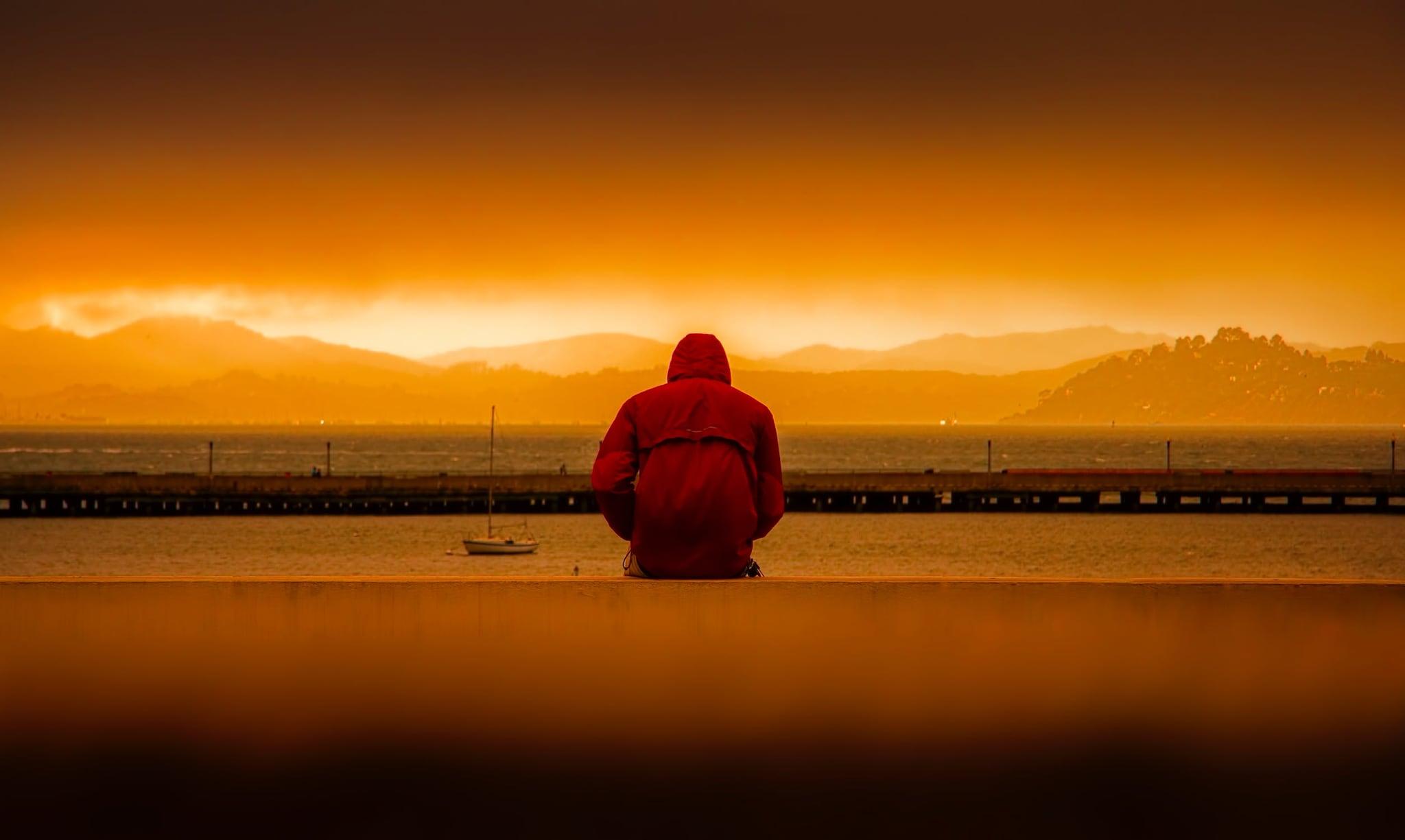 तसेच अशा लोकांमध्ये नैराश्याचा धोका सर्वाधिक असतो. नैराश्यग्रस्त लोकांना एकट राहायला आवडतं. त्यांना इतरांसोबत मिसळायला आवडत नाही.