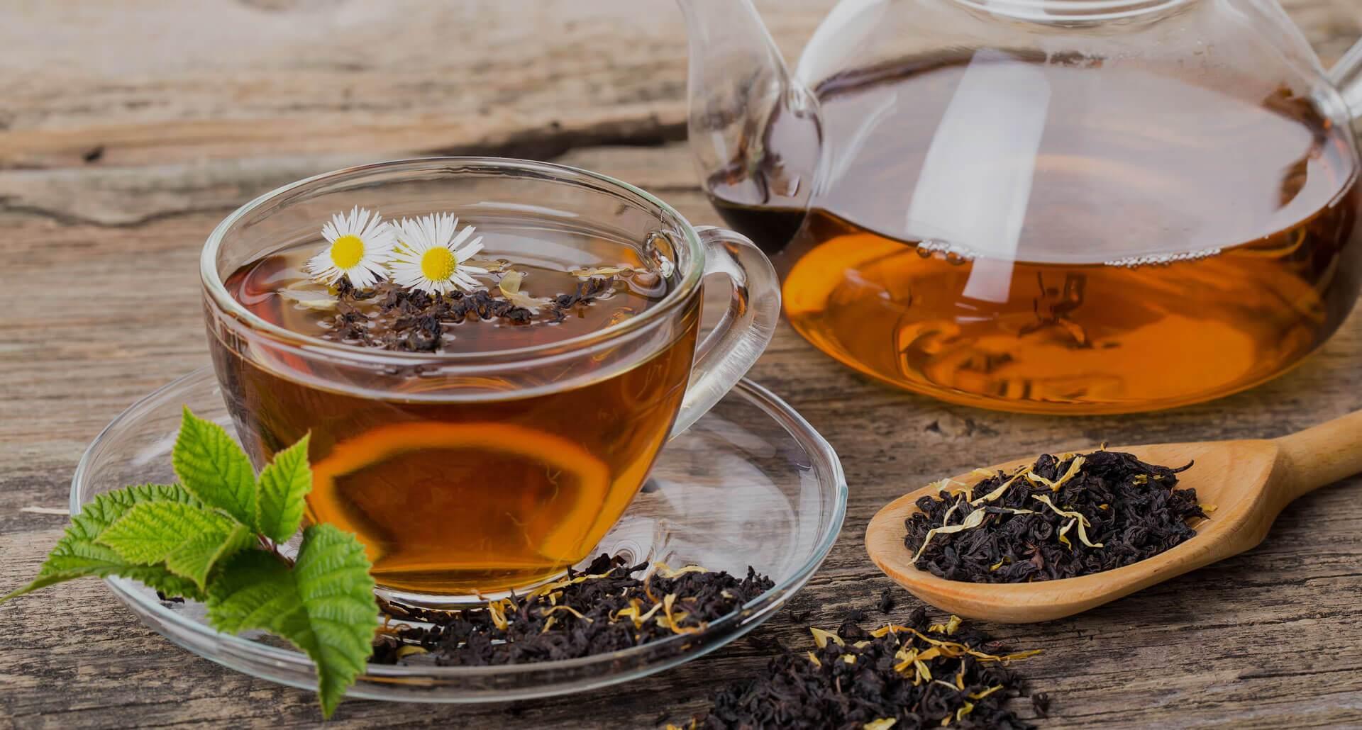 असंही म्हटलं जातं की, १ हजाराहून जास्त चहाचे प्रकार असून यात काळा, हिरवा, सफेद आणि पिवळ्या रंगाचा चहा फार प्रसिद्ध आहे.