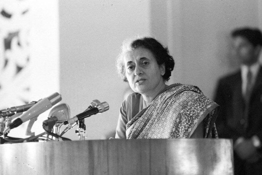 लाल बहाद्दुर शास्त्रींच्या मंत्रीमंडळात माहिती प्रसारण मंत्रालयाचा कारभार सांभाळणाऱ्या इंदिरा गांधी या नेहमीच शांत असायच्या. त्यावेळी काँग्रेसमध्ये इंदिरा गांधी म्हणजे एक बाहुलीच समजल्या जात होत्या.