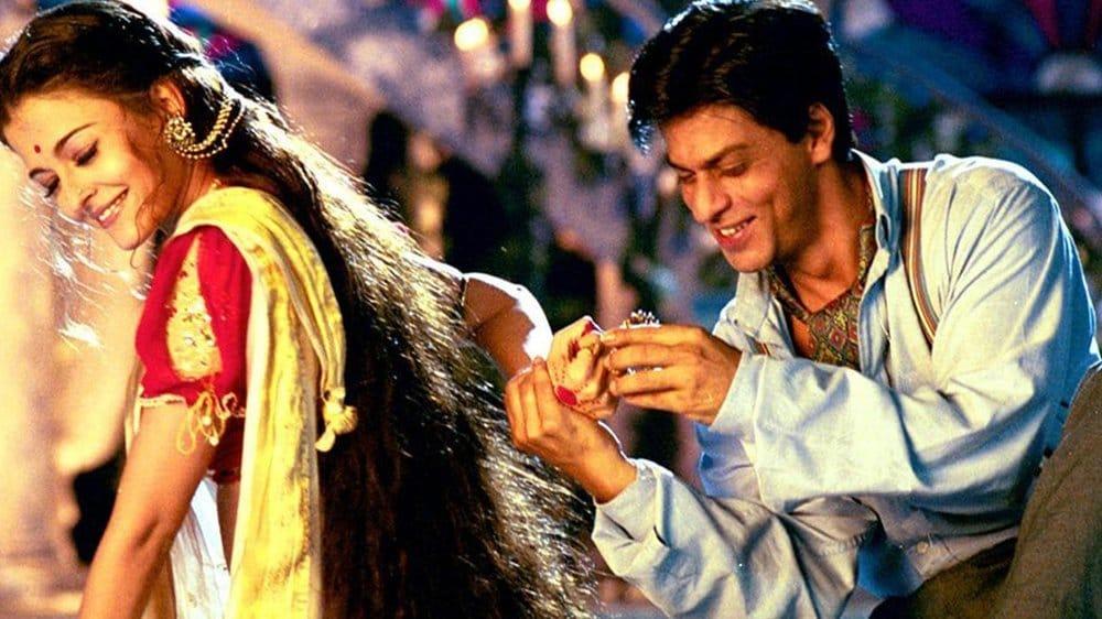 देवदास- २००२ मध्ये आलेल्या शाहरुख खान, ऐश्वर्या राय आणि माधुरी दीक्षित स्टारर या सिनेमाला ऑस्कर नामांकन मिळालं होतं. मात्र अंतिम फेरीच्या फार आधीच हा सिनेमा शर्यतीतून बाहेर पडला होता.