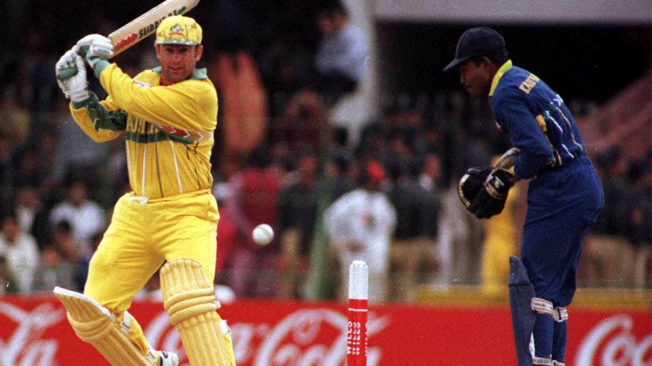 1996 च्या वर्ल्डकपमध्ये क्रिकेट ऑस्ट्रेलियाने श्रीलंकेत सुरक्षेच्या कारणास्तव खेळण्यास नकार दिला होता. यामुळे श्रीलंकेला 2 गुण मिळाले होते. रणतुंगाच्या नेतृत्वाखाली फायनल जिंकून वर्ल्डकप जिंकला.
