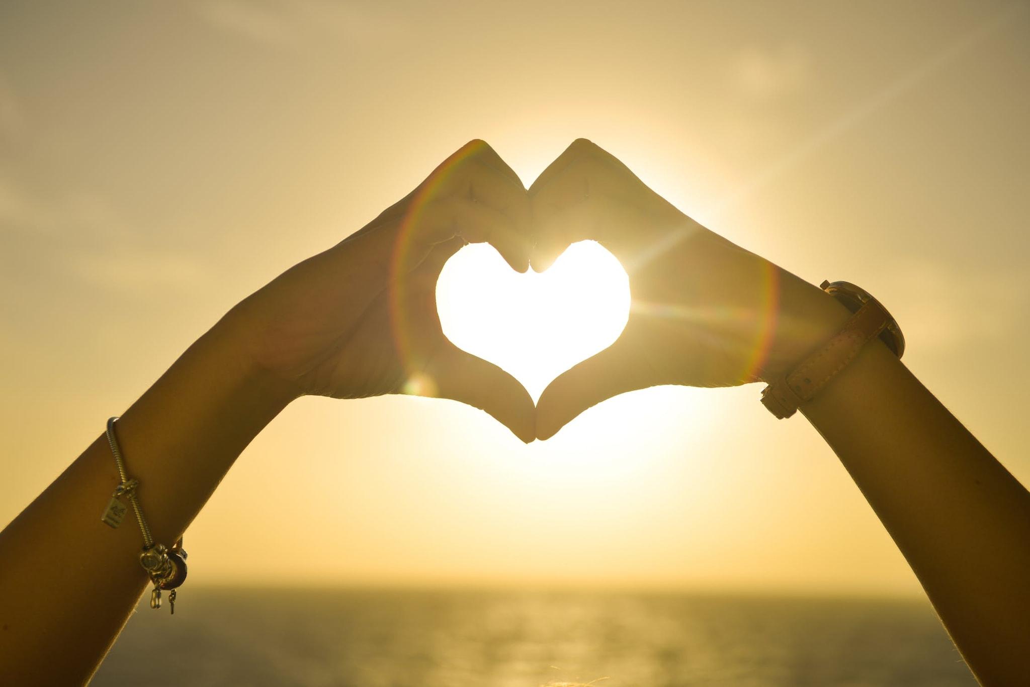 या अभ्यासक्रमात अजून 7 विभाग आहेत. त्यात स्वत:वर प्रेम कसं करायचं ते शिकवलं जातं.
