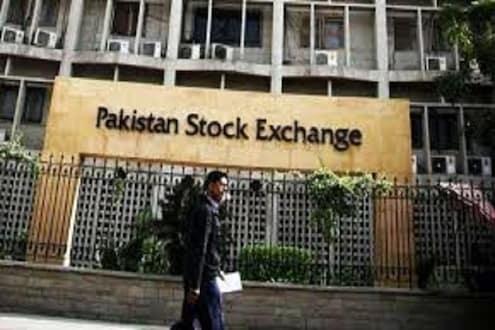 AIRSTRIKE : भारताच्या कारवाईनंतर पाकिस्तानी शेअर बाजारही धाडकन कोसळला