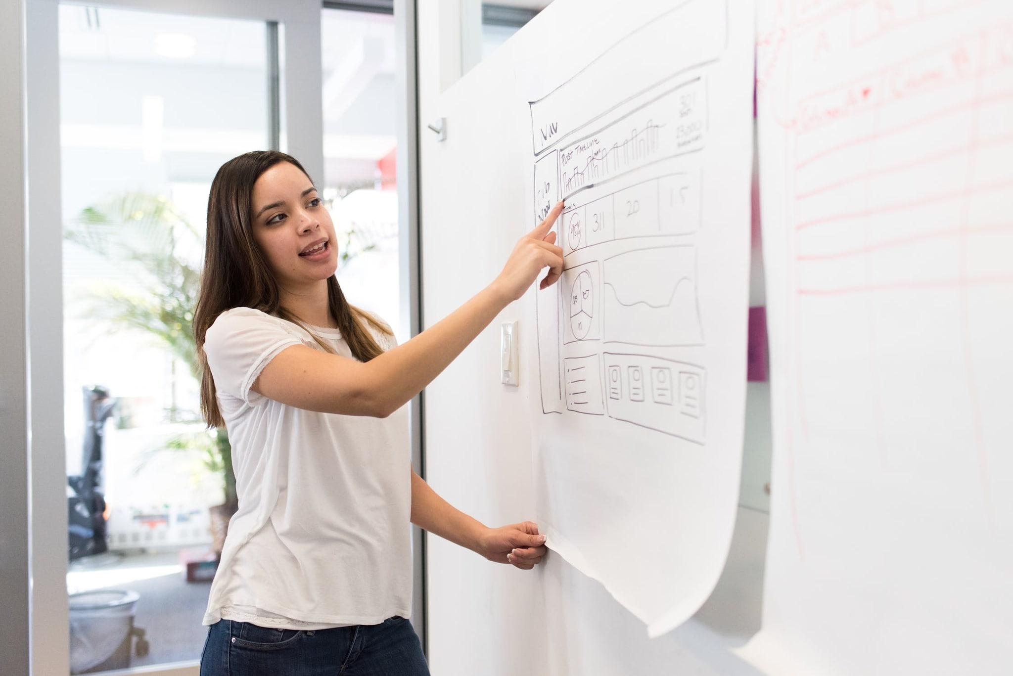 अनेकदा पुरुषांना नोकरीत तणाव असेल तरी ते ती लगेच सोडत नाही, उलट महिला नोकरी मनाप्रमाणे नसेल तर लगेच दुसरी शोधायला सुरुवात करतात.