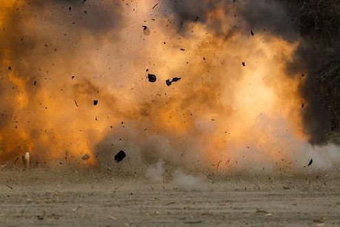 बडोदा येथे ऑक्सिजनच्या कंपनीत भीषण स्फोट, 7 कामगारांचा होरपळून मृत्यू