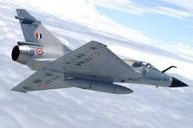 भारताकडे मिराजखेरीज सुखोई आणि मिग अशी अत्याधुनिक लढाऊ विमानंही आहेत. राफेल येऊ घातलं आहे. पाकिस्तानी हवाई दलातल्या विमानांपेक्षा ही विमानं अधिक चांगली आहेत.