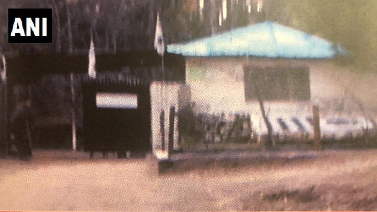भारताचे परराष्ट्र सचिव विजय गोखले यांनी एअरस्ट्राईक्सची माहिती देताना सांगितलं की, जैशच्या दहशतवाद्यांची ट्रेनिंग सेंटर या भागात होती.