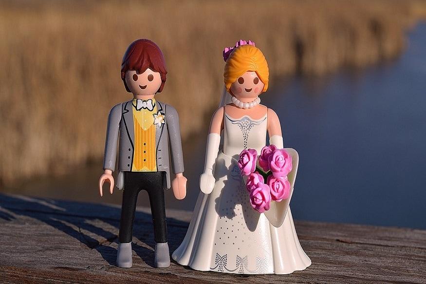 तुमच्या लग्नाला 10 वर्ष झालीयत, तुमची मुलंबाळंही आहेत. पण जर का तुम्ही एक कायदेशीर गोष्ट केली नाहीत तर तुमचं लग्न अवैध मानलं जातंय.