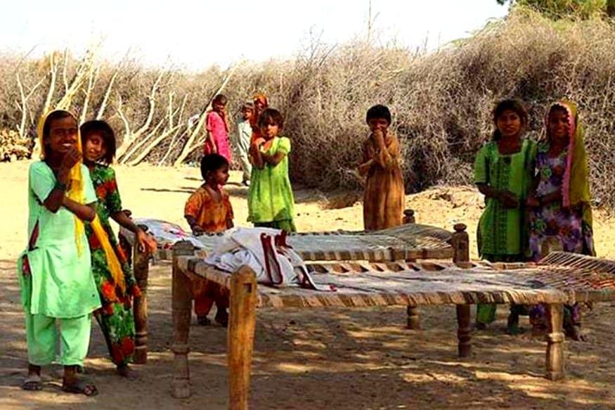 पाकिस्तानात नेहमीच अल्पसंख्याकांवरच्या अत्याचाराच्या बातम्या आपण वाचत असतो. पण तिथे असं एक गाव आहे तिथून अशा बातम्या येत नाहीत.