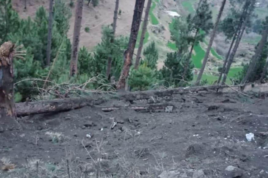पुलवामा हल्ल्यानंतर भारताने जैश ए मोहम्मदच्या पाकिस्तानमधील दहशतवादी प्रशिक्षण तळावर हवाई हल्ला केला. यात 300 दहशतवादी ठार झाले.
