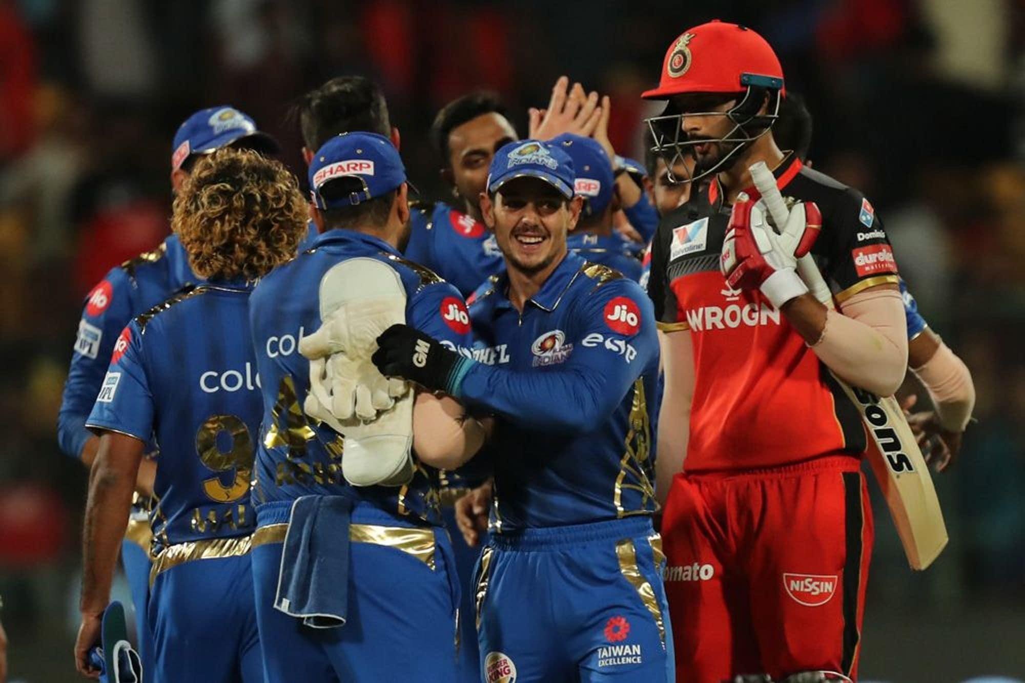 मुंबई इंडियन्स विरुद्ध रॉयल चॅलेंजर बंगळुरुचा सामना अगदी शेवटच्या चेंडूपर्यंत रंगला. त्यातच शेवटच्या चेंडूवर नाट्यमय घडामोडी घडल्या.