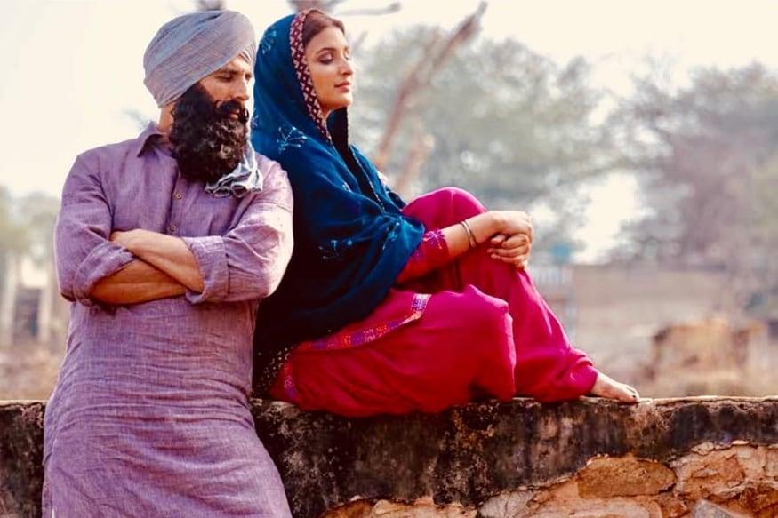 परिणीती आणि अक्षयचा केसरी एक युद्धपट असून हा सिनेमा येत्या 21 मार्चला प्रदर्शित होणार आहे.