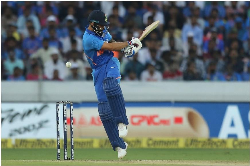 क्रिकेट विश्वात एकदिवसीय सामन्यांमध्ये 4,000 धावा करणारा विराट हा जगातील 12 वा तर चौथा भारतीय कॅप्टन आहे.