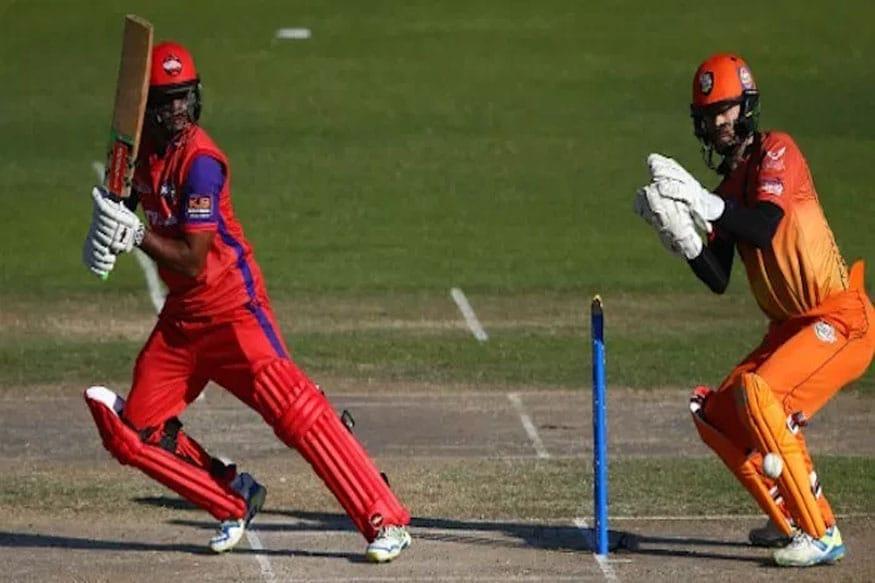 चंद्रपॉलने 76 चेंडूंत 25 चौकार आणि 13 षटकार मारले. तर त्याच्यासोबत स्मिथने 29 चेंडूत 8 चौकार आणि 2 षटकारांसह 54 धावा केल्या.