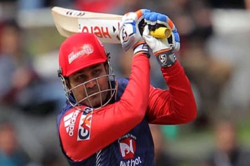 2012 मध्ये दिल्लीकडून खेळताना विरेंद्र सेहवागने 5 सामन्यात 5 अर्धशतके केली होती.