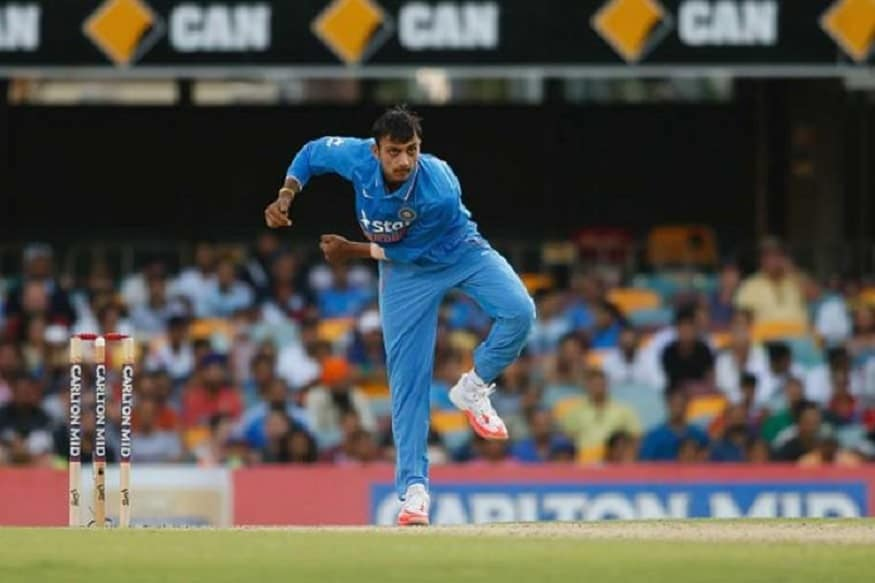 आयपीएलमध्ये दिल्लीकडून खेळणारा अष्टपैलू खेळाडू अक्षर पटेलला संघात स्थान मिळाले नाही. त्याने शेवटचा एकदिवसीय सामना 2017 मध्ये न्यूझीलंडविरुद्ध खेळला होता.