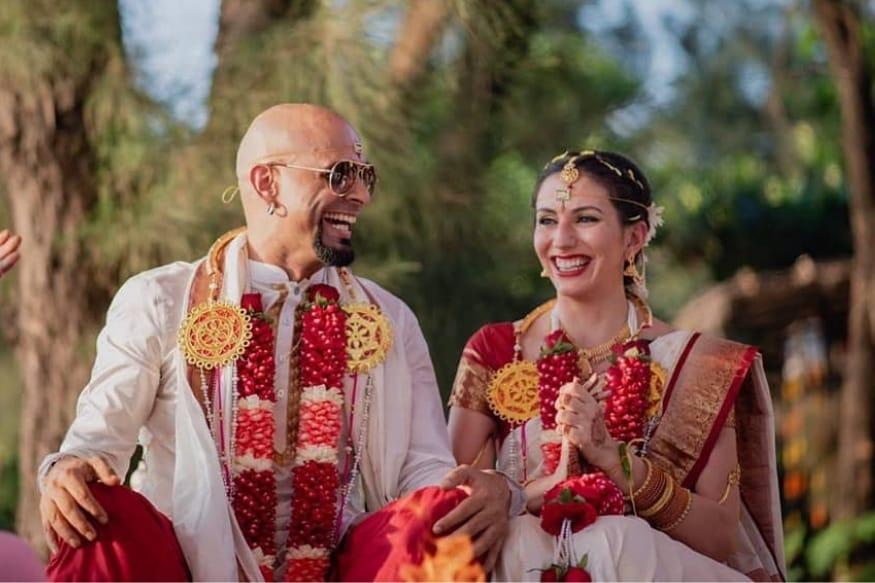 एमटीव्ही रोडिस फेम अभिनेता रघु रामनं पहिली पत्नी सुगंधाशी घटस्फोट घेतल्यावर दुसरी लाइफ पार्टनर शोधण्यास उशीर केला नाही. रघु रामनं 2006मध्ये सुगंधाशी लग्न केलं होतं. पण 10 वर्षांनंतर हे दोघं वेगळे झाले आणि 2018मध्ये रघु रामनं दुसरं लग्न केलं. 12 डिसेंबरला त्यानं गर्लफ्रेंड नतालीशी लग्नगाठ बांधली.