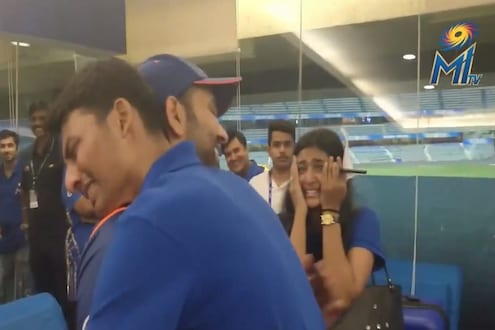 VIDEO : रोहितचा भन्नाट फॅन, त्याच्या एका झलकसाठी पाहा काय केलं