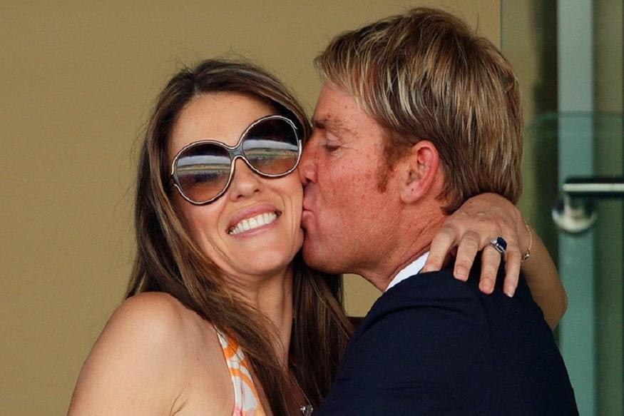 तर, 2017ला पॉर्नस्टार वलरिया फॉक्स हिनं विनयभंगाचा आरोप केला होता. त्याआधी 2007साली वॉर्नची पत्नीनं त्याला घटस्पोट दिला होता. मात्र, त्यानंतर ते पुन्हा एकत्र आले पण वॉर्न त्यावेळी ब्रिटीश अभिनेत्री लिज हर्ले हिच्या सोबत असल्यानं त्याच्या पत्नीनं फसवल्याचा आरोप केला होता.