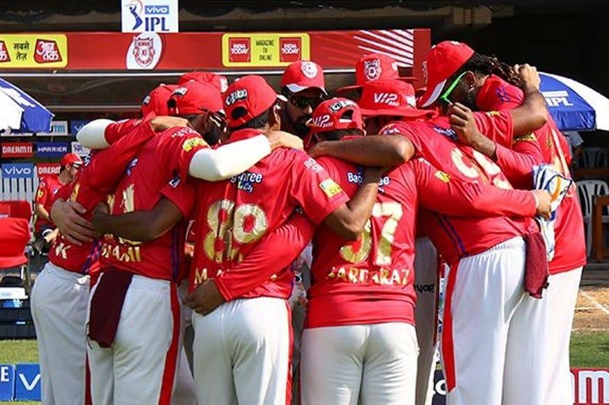 रविवारी पहिला सामना पंजाब आणि चेन्नई यांच्यात होणार आहे. चेन्नई गुणतक्त्यात पहिले स्थान कायम ठेवण्यासाठी मैदानात उतरेल. तर पंजाब हा सामना जिंकून शेवट विजयाने करण्यासाठी खेळेल.