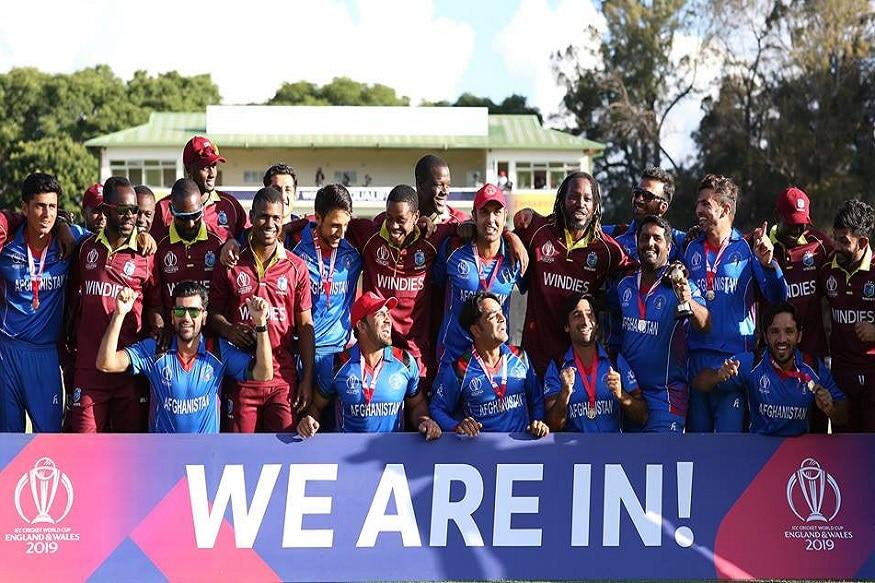 अफगाणिस्तानच्या क्रिकेटमधील वाटचालीत भारताचे मोठे योगदान राहिले आहे. अफगाणिस्तानला मैदानाच्या कमतरतेमुळे सरावसुद्धा भारतात करावा लागतो. बीसीसीआयकडून त्यांना मदत केली जाते. त्यांचे देशांतर्गत सामने ग्रेटर नोएडा आणि डेहराडूनमध्ये खेळले जातात.