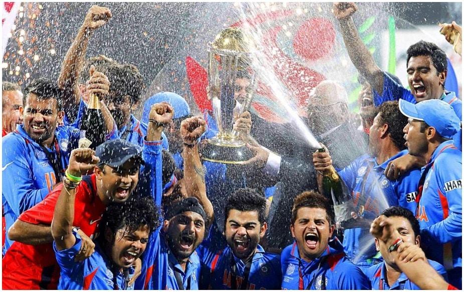 भारताचा माजी क्रिकेटपटू विरेंद्र सेहवागला 2011 मध्ये गांगुलीचा विक्रम मोडण्याची संधी होती. पण त्याला कपिल देव यांच्या 1983 मध्ये केलेल्या ऐतिहासिक 175 धावांची बरोबरी करता आली होती. सेहवागनंतर मास्टर ब्लास्टरने 152 धावांची खेळी केली आहे. सचिनने एकदिवसीय क्रिकेटमध्ये पहिलं द्विशतक केलं होतं.