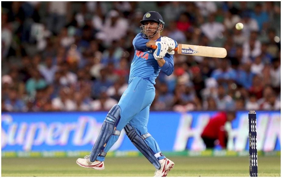 भारताचा माजी कर्णधार आणि यष्टीरक्षक महेंद्रसिंग धोनीचाही या यादीत समावेश आहेत. 37 वर्षीय धोनी 341 एकदिवसीय सामने खेळलेल्या धोनीने 10 हजार 500 धावा केल्या आहेत. यात 10 शतक आणि 71 अर्धशतकांचा समावेश आहे. धोनीनंतर संघात केदार जाधव हा वयस्क खेळाडू आहे.